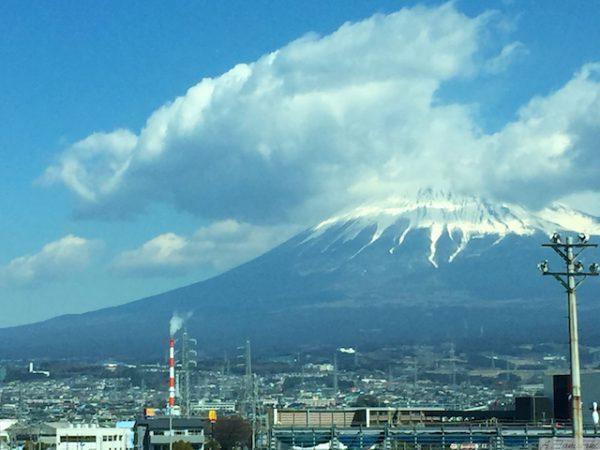 せっかく出張に行って、壮大な富士山を見れないのは喫煙のせい!?